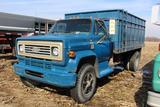 1977 Chevrolet C65 Custom Deluxe single axle grain truck