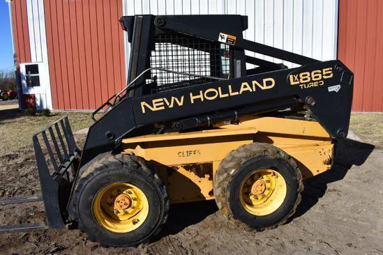 New Holland LX865 Turbo skid steer