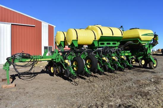 "2014 John Deere 1770NT CCS 16 row 30"" planter"