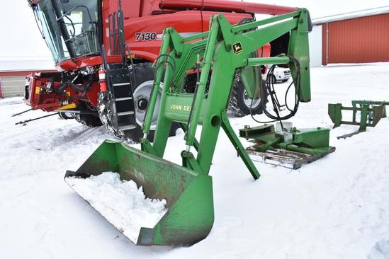 John Deere 265 self-leveling loader