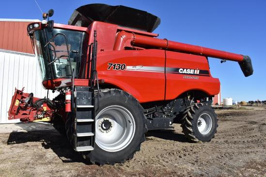2012 Case IH 7130 2wd combine