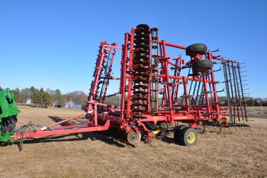 2012 Sunflower 6333 31' soil finisher