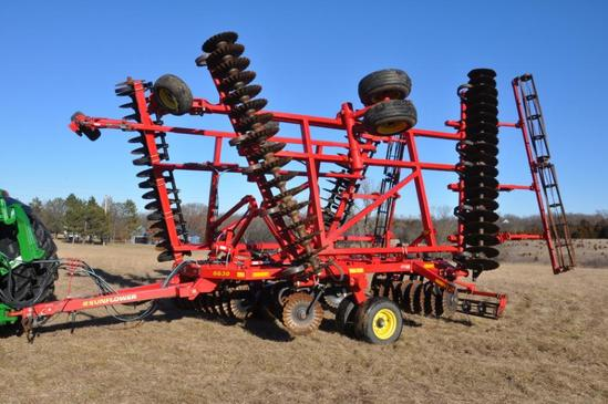2013 Sunflower 6630 32' vertical tillage tool