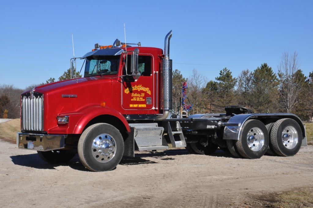 2000 Kenworth T8000 daycab truck