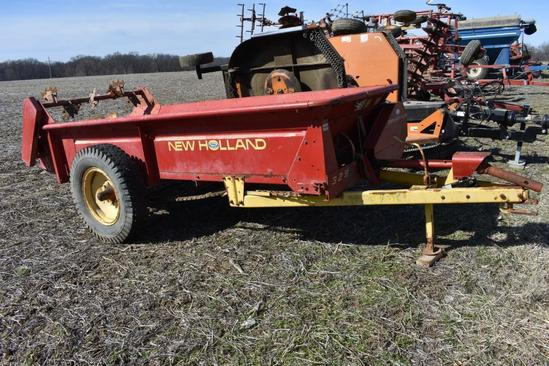 New Holland 329 manure spreader