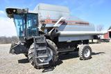 1995 Gleaner R52 2wd combine