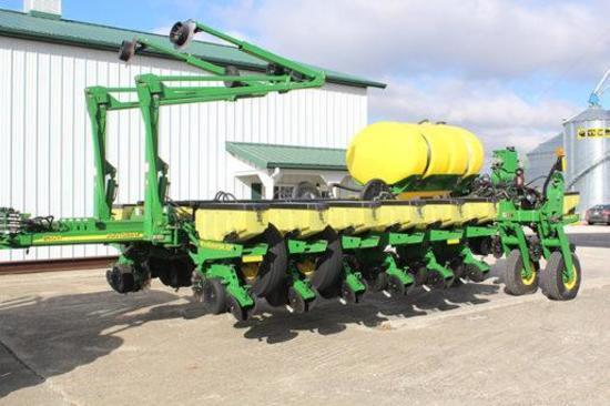 "2013 John Deere 1770NT 16 row 30"" planter"