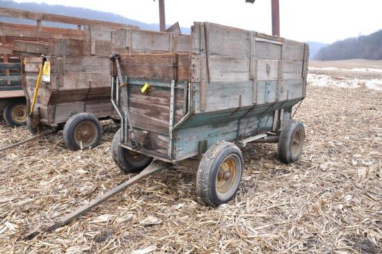Wooden barge wagon on JD running gear w/PTO driven rear auger