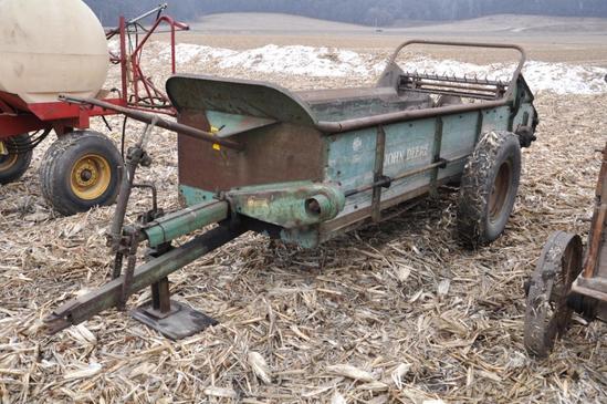 John Deere Vintage manure spreader