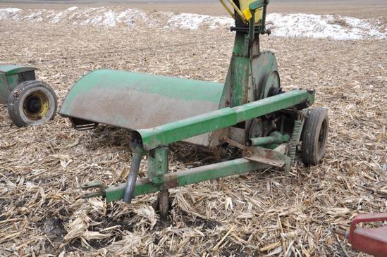 John Deere pull-type forage chopper