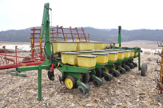 "John Deere 7000 8 row 30"" planter"
