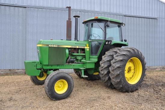 1980 John Deere 4440 2wd tractor