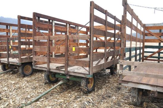 Wooden bale wagon on JD gear