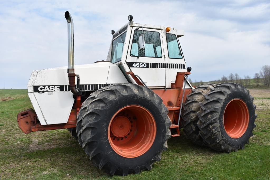 Case 4690 4wd tractor