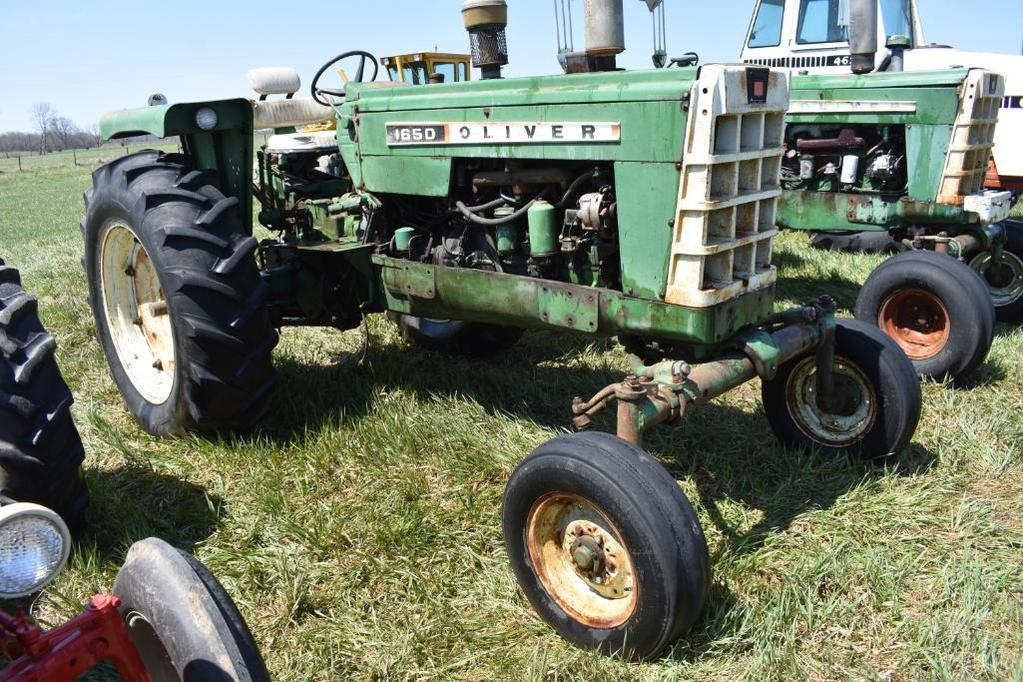1964 Oliver 1650 2wd tractor