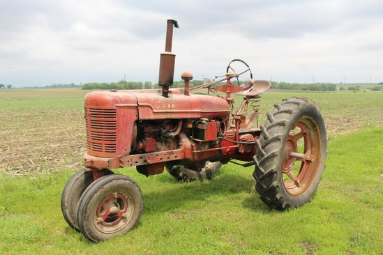 Farmall H single hyd. outlet