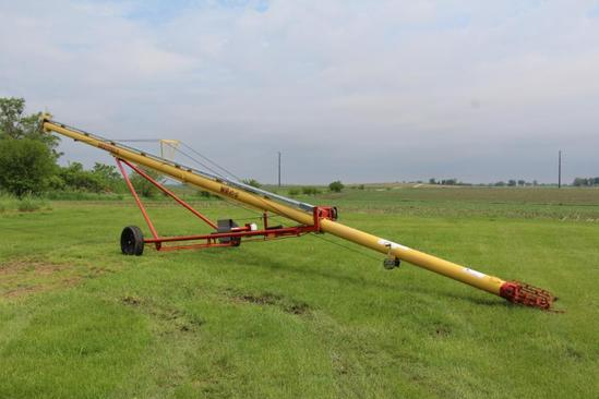 "Westfield WR 80-51 8"" x 51' PTO auger"