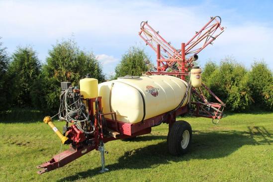 Hard TR506 500 gallon single axle pull type sprayer