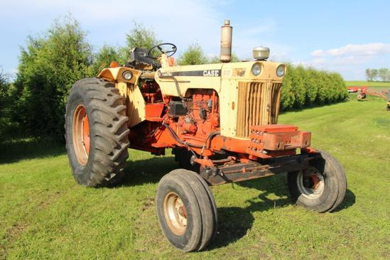 Case 830 Comfort King 2wd gas tractor