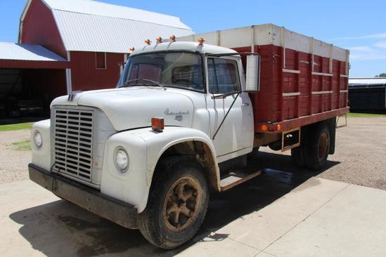 1969 International 1600 Loadstar single axle grain truck