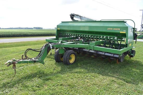1999 John Deere 1560 15' grain drill