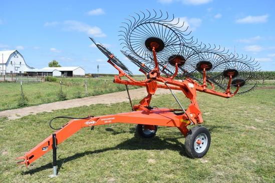 Kuhn SpeedRake SR110 10-wheel hay rake