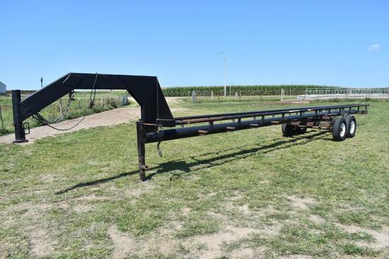 36' gooseneck in-line hay trailer