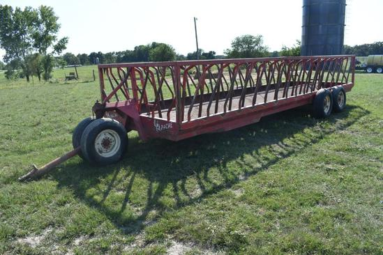Apache 24' portable hay feeder