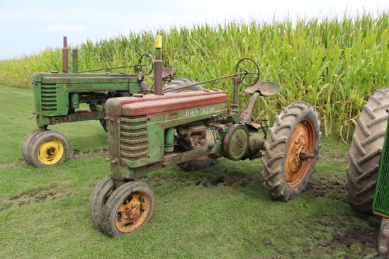 1940 John Deere H tractor