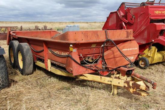 New Holland 679 tandem axle manure spreader