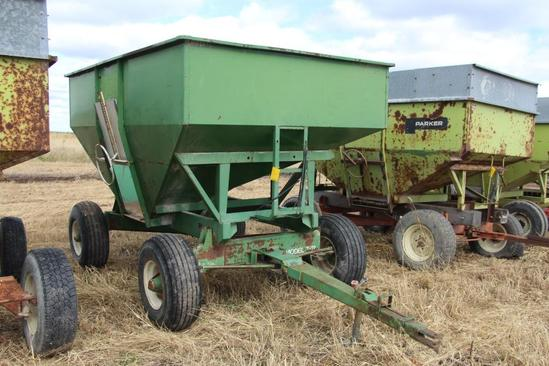 Huskee 225 bu. gravity wagon on running gear