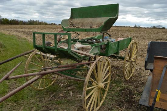 Single-horse buckboard-style wagon w/spring seat