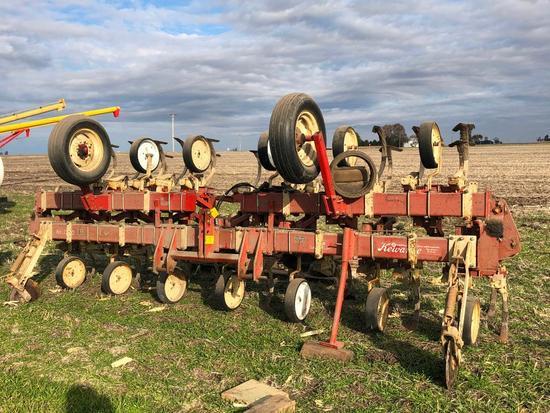 "Kewanee 3200 12 row 30"" cultivator"