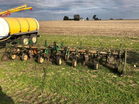 """Oliver 374 6 row 30"""" 3-pt. cultivator"""