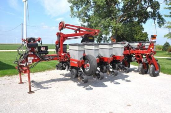 "2009 Case IH 1250 12 row 30"" planter"
