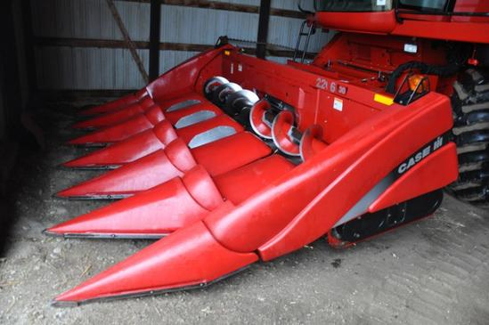 "Case IH 2206 6 row 30"" corn head"