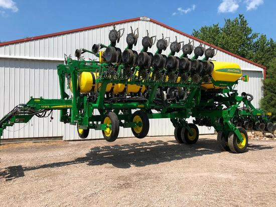 "2015 John Deere 1795 CCS 24 row 20"" planter"