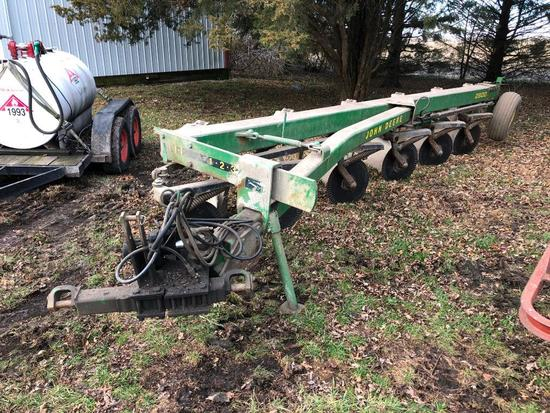 John Deere 2800 6-bottom plow
