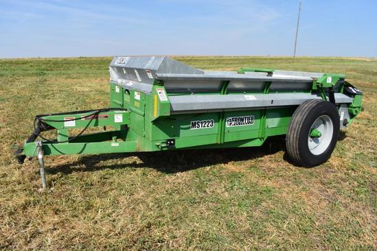 2009 Frontier MS1223 manure spreader