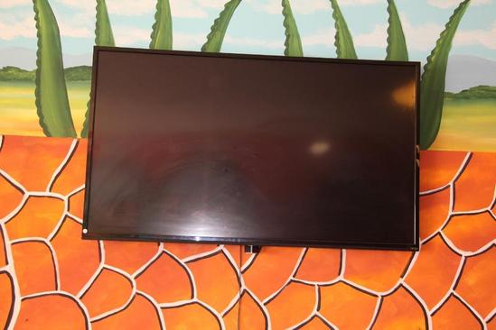 "70"" Vizio flat screen smart tv"