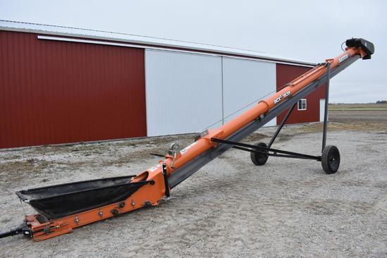 2018 Batco BCX2 1539 Field Loader belt conveyor