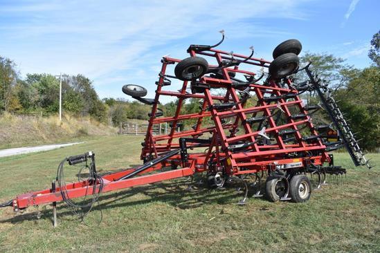 Case IH Tiger-Mate II 32' field cultivator