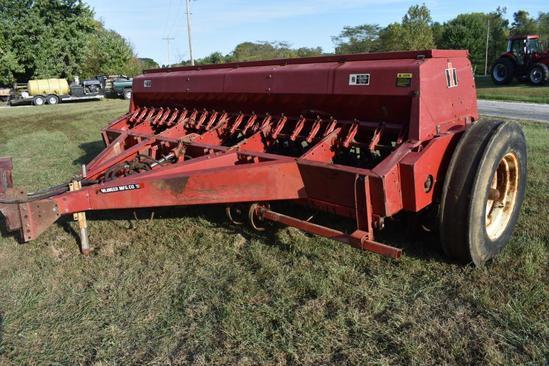 International 5100 Soybean Special 13' grain drill