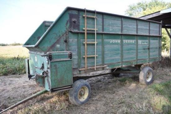 John Deere 115 silage wagon on John Deere running gear