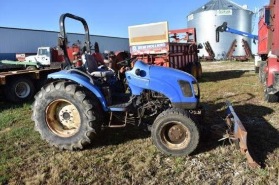 New Holland TC40 MFWD compact utility tractor