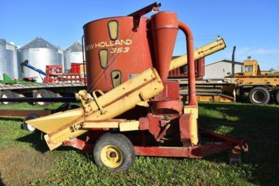 New Holland 353 grinder mixer