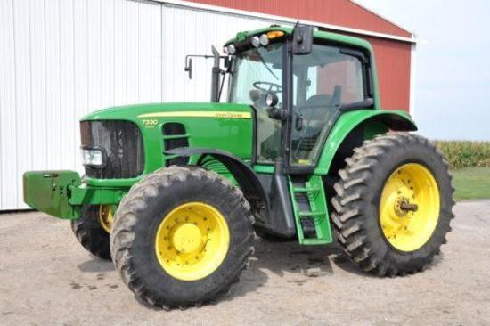 2002 John Deere 8220 MFWD tractor