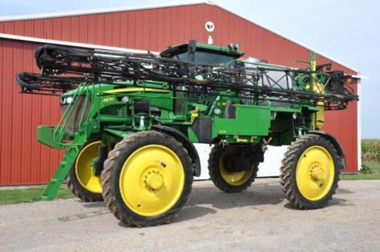 2008 John Deere 4830 self-propelled sprayer