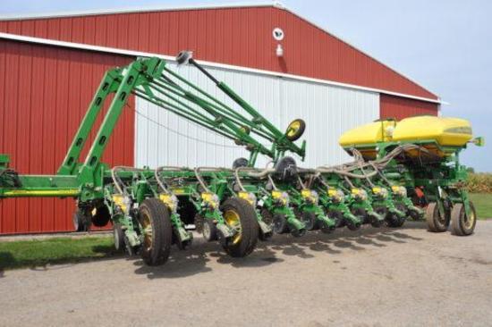 "2014 John Deere 1770NT CCS 24 row 30"" planter"