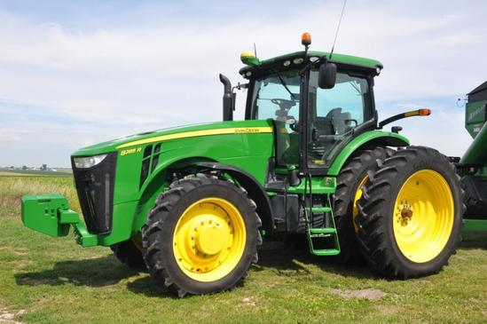 '11 JD 8285R MFWD tractor